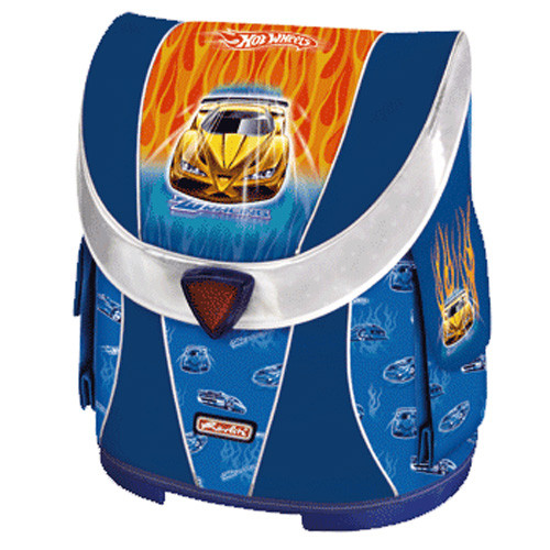 Легкий функциональный ранец с удобной спинкой имеет...